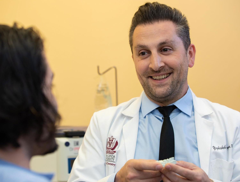818.Dentist Van Nuys, CA